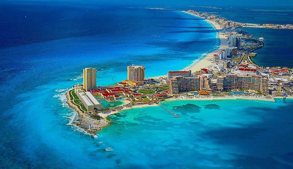Is it safe to travel to Cancun?
